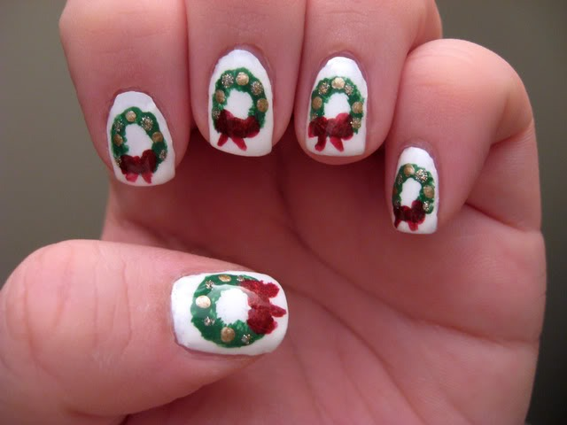 Christmas wreath nails